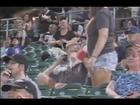 [FULL] Girl Dumps Drink over Boyfriend on Kiss-cam